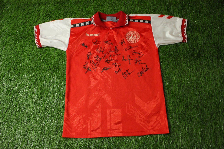 e1737b37b Denmark Home Maillot de foot 1996 - 1997.