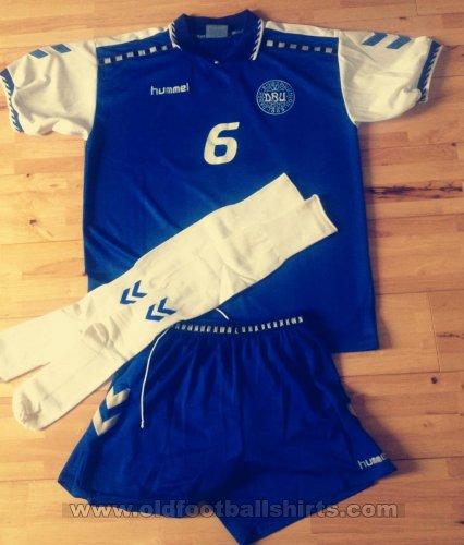 302a1be0ca9 Denmark Third Maillot de foot 1996 - 1997.