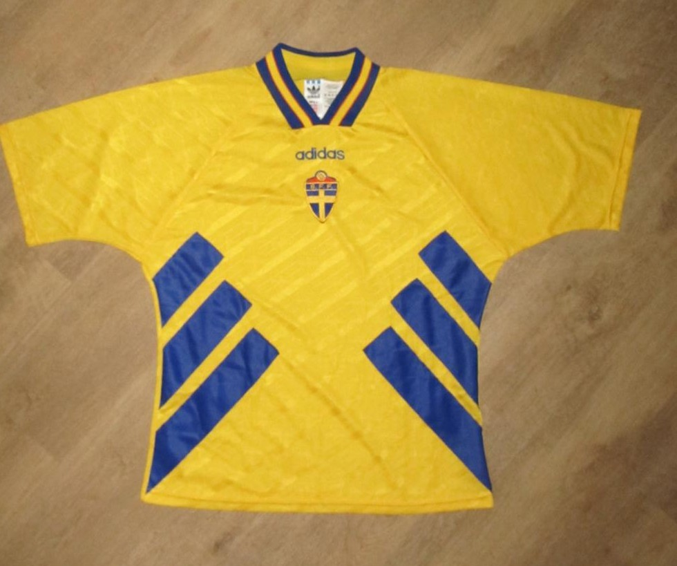 Sweden Home Football Shirt 1994 1995 Added On 2013 03