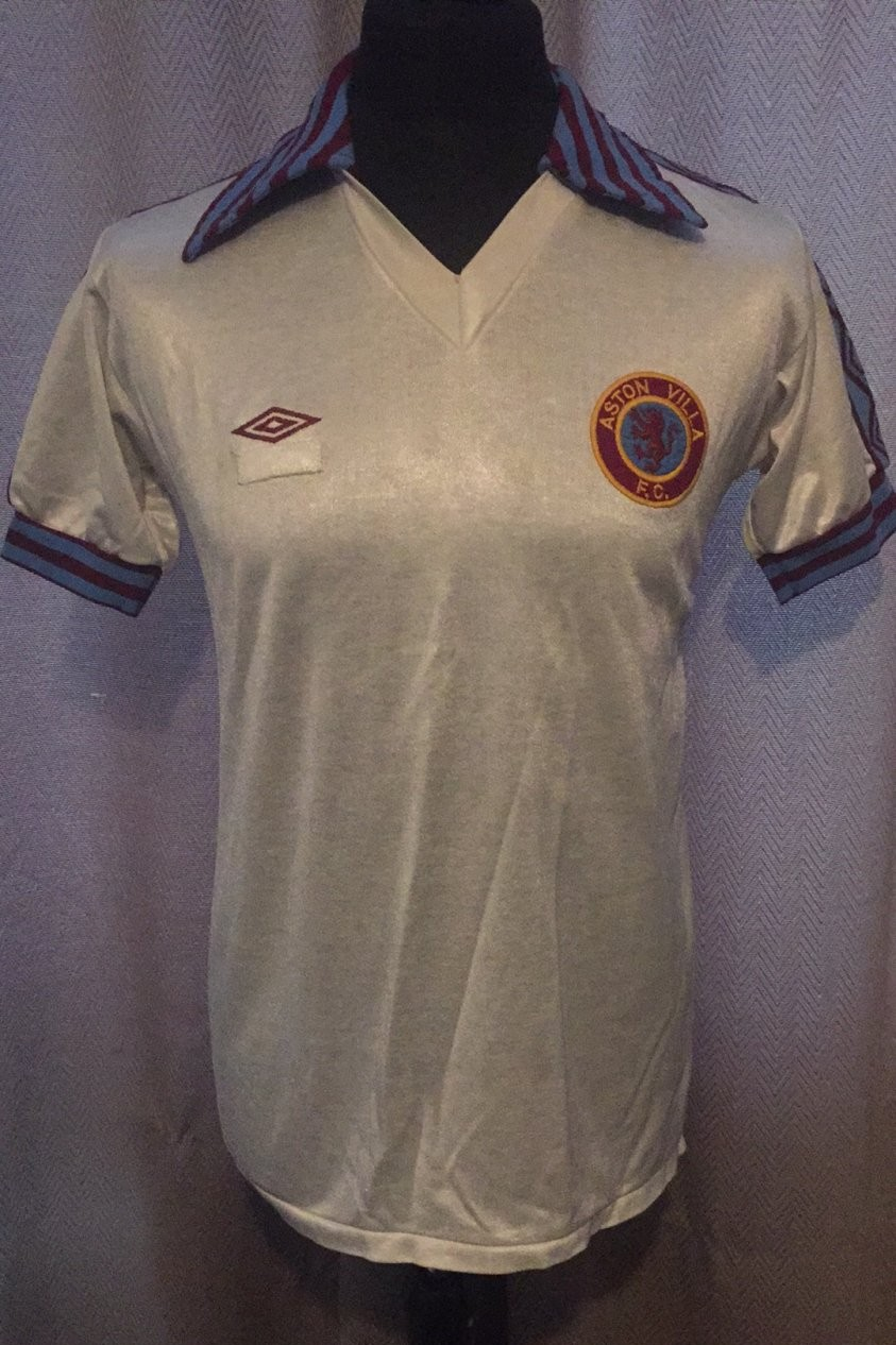 M Aston Villa 1982 Champions of Europe Retro Shirt Size MEDIUM Score Draw
