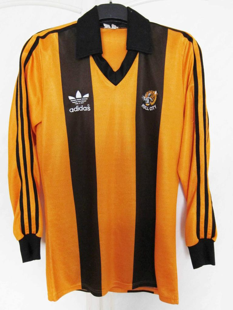 hull city home football shirt 1980 1982 added on 2011