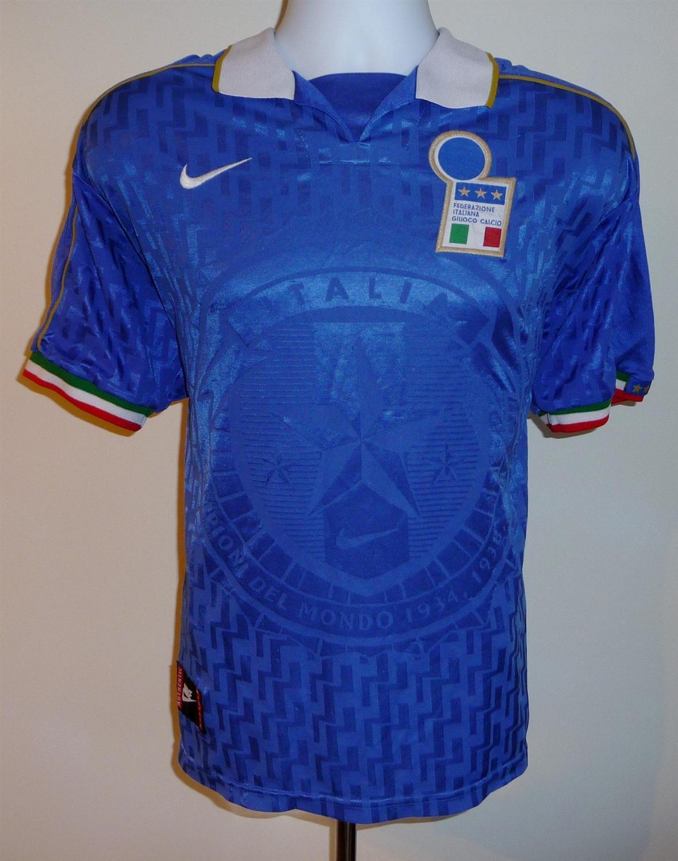 425183c6c1d Italy Home Maillot de foot 1995 - 1996.