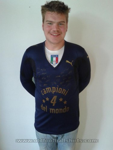 Italy Goalkeeper football shirt 2006 - 2008