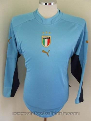 Italy Goalkeeper football shirt 2004 - 2006