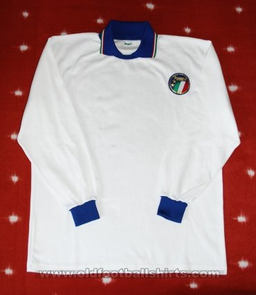 Italy Away football shirt 1986 - 1988