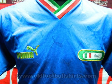 Italy Home football shirt (unknown year)