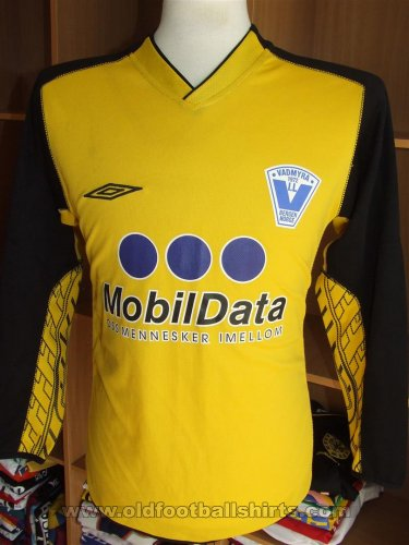 Vadmyra IL Goalkeeper football shirt (unknown year)