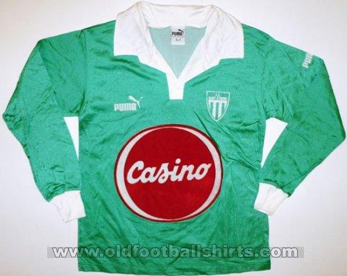 http://www.oldfootballshirts.com/img/shirts/306/thumbs/football_shirt_22478_1_500x398x1.jpg