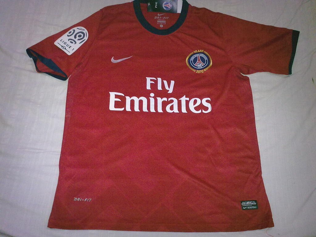99623f68308 Paris Saint-Germain Away maglia di calcio 2010 - 2011.