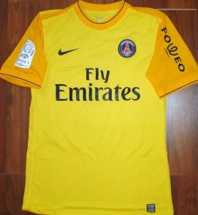 the best attitude f94fd c16c8 Paris Saint-Germain Goalkeeper Maillot de foot 2009 - 2010.