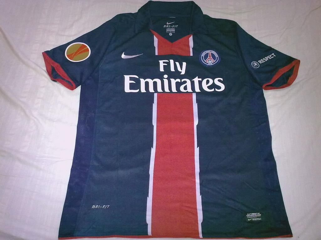 af992b157f0 Paris Saint-Germain Home Maillot de foot 2010 - 2011.