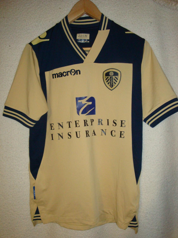 4c8f6fb8b5cd8 Leeds United Away maglia di calcio 2013 - 2014. Sponsored by ...