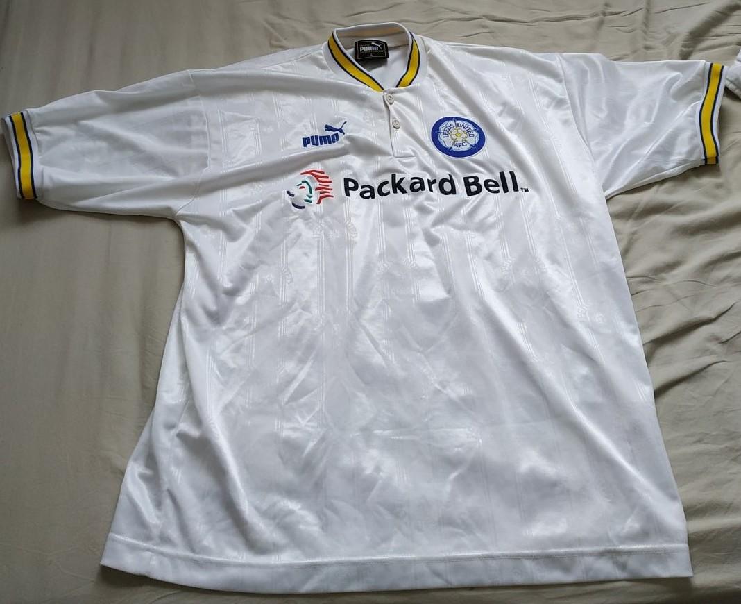 Leeds United Home maglia di calcio 1996 - 1998. Sponsored by ...