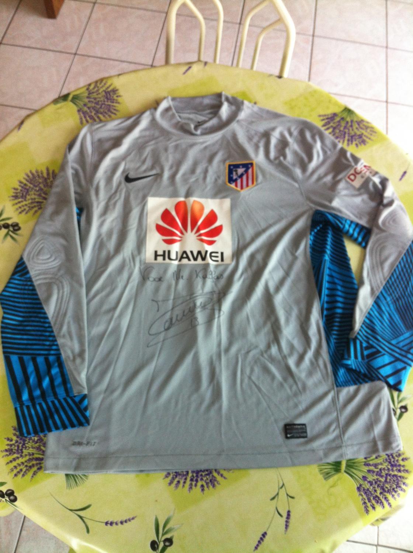 Atletico Madrid Goalkeeper Football Shirt 2012 2013