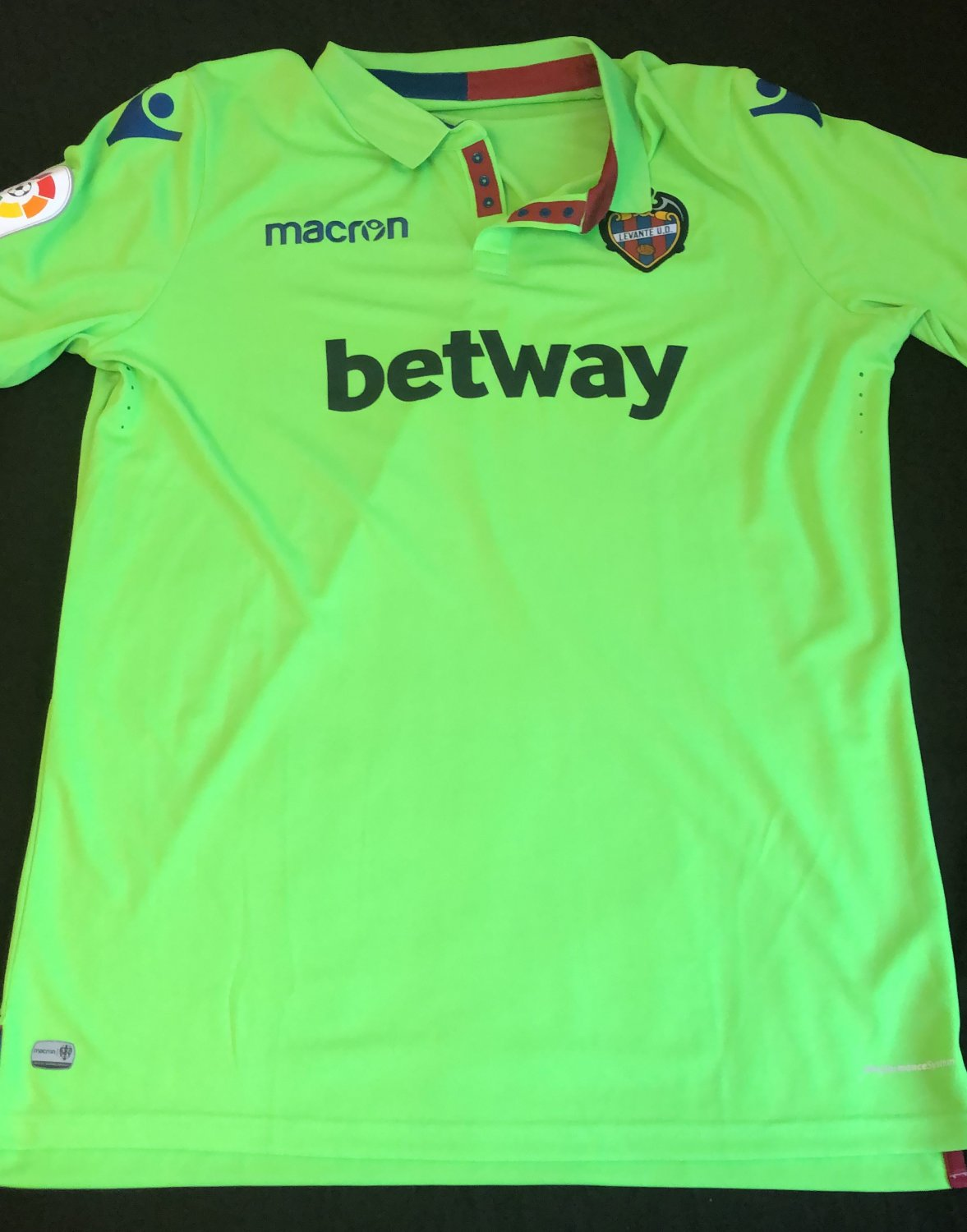 Levante Away football shirt 2018 - 2019. Sponsored by Betway