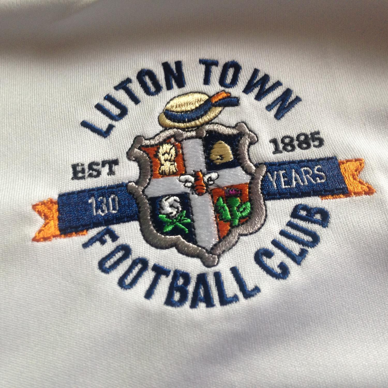 Luton town ext rieur maillot de foot 2015 2016 ajout for Maillot exterieur