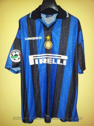 Internazionale Home maglia di calcio 1997 - 1998. Sponsored by Pirelli