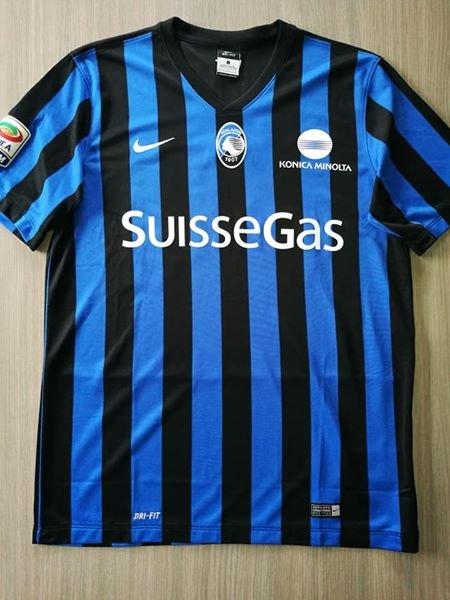 Atalanta Home maglia di calcio 2014 - 2015. Sponsored by SuisseGas