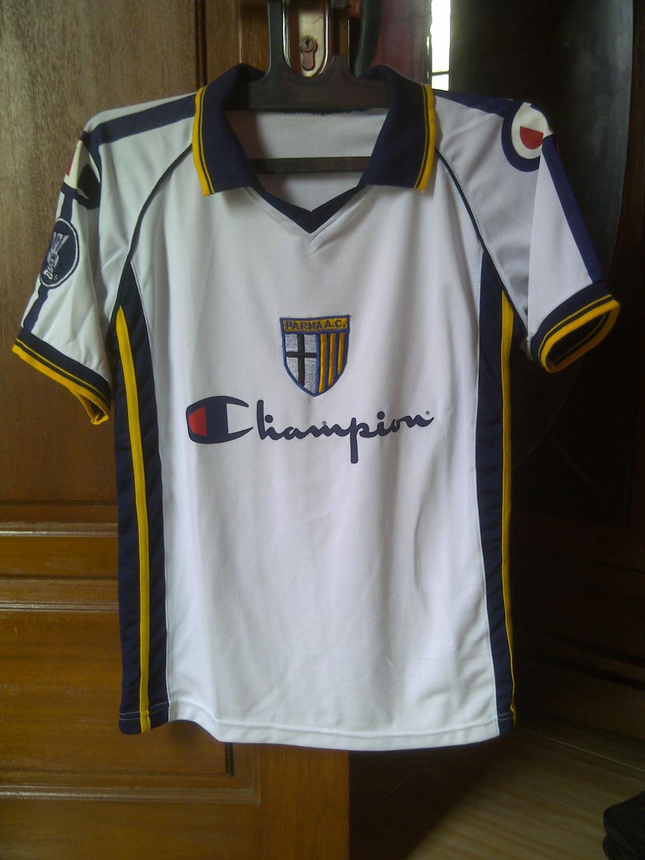 Parma Away football shirt 2004 - 2005.