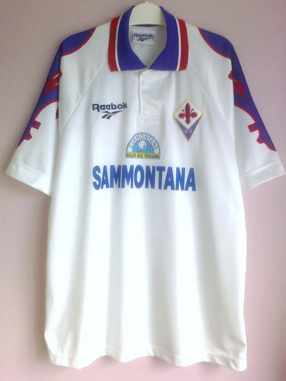 Fiorentina Away football shirt 1995 - 1996. Sponsored by Sammontana