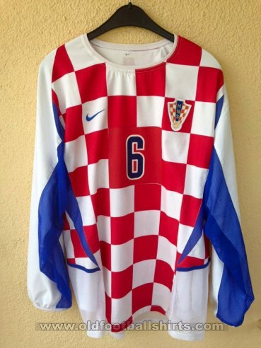 Croatia Home football shirt 2002 - 2004