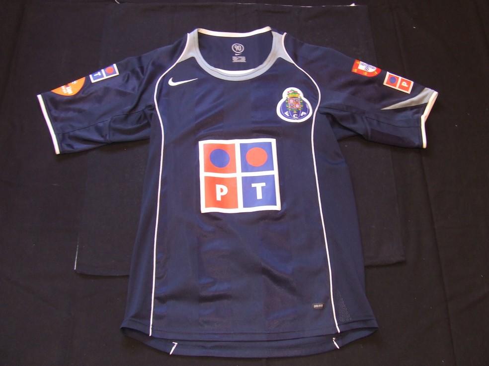 Porto ext rieur maillot de foot 2004 2005 ajout 2013 for Exterieur quaresma