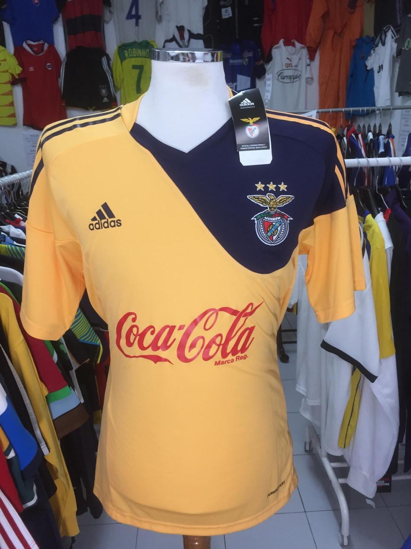 9a0a400ad13 Benfica Away Maillot de foot 2010 - 2011.
