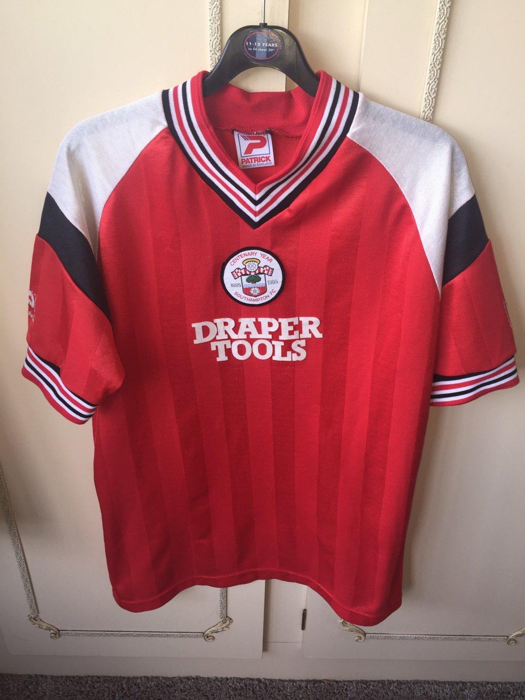 a031a24f8 Southampton Home Camiseta de Fútbol 1985 - 1986. Sponsored by Draper ...