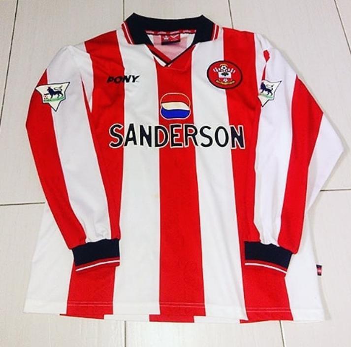 c2f178ffd9b Southampton Home maglia di calcio 1997 - 1999. Sponsored by Sanderson