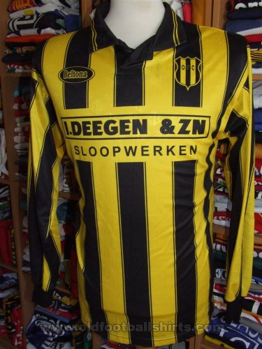 Oostzaanse FC Home camisa de futebol (unknown year)