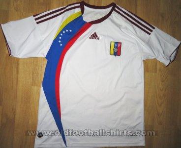 Venezuela Country Venezuelan Football Team Soccer Script Men/'s V-Neck Ringer Tee