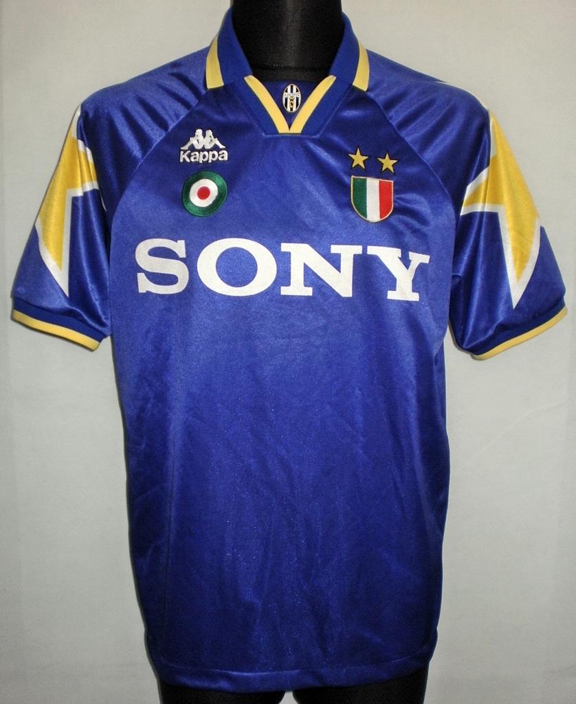 0143245f905 Juventus Away Maillot de foot 1995 - 1997 ...