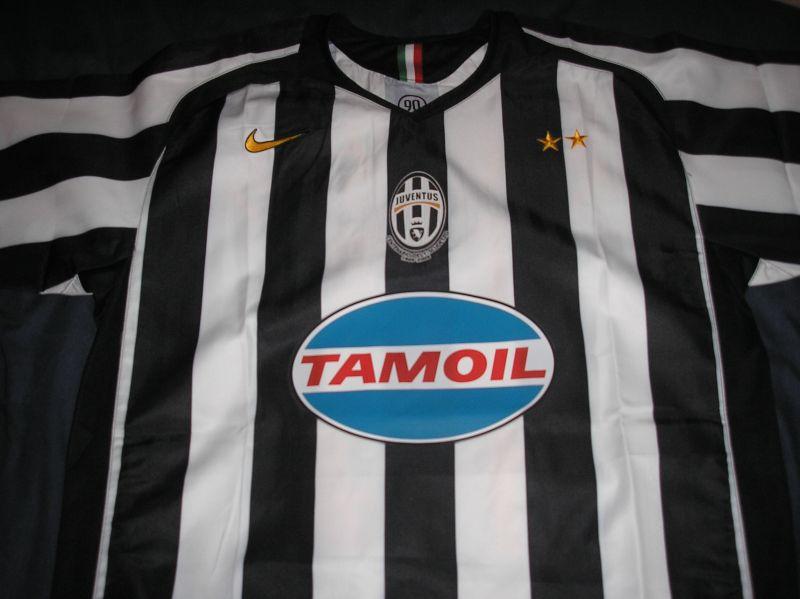 c919d3ec014 Juventus Home fotbollströja 2005 - 2006 ...