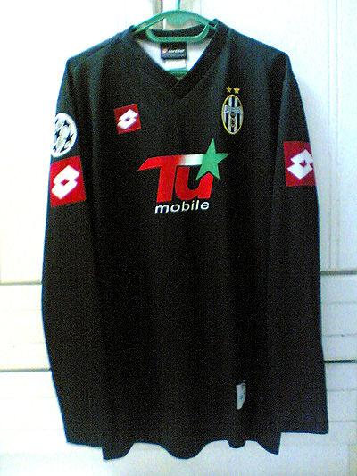 cb5f0c9c9 Juventus Cup Shirt Maillot de foot 2001 - 2002 ...
