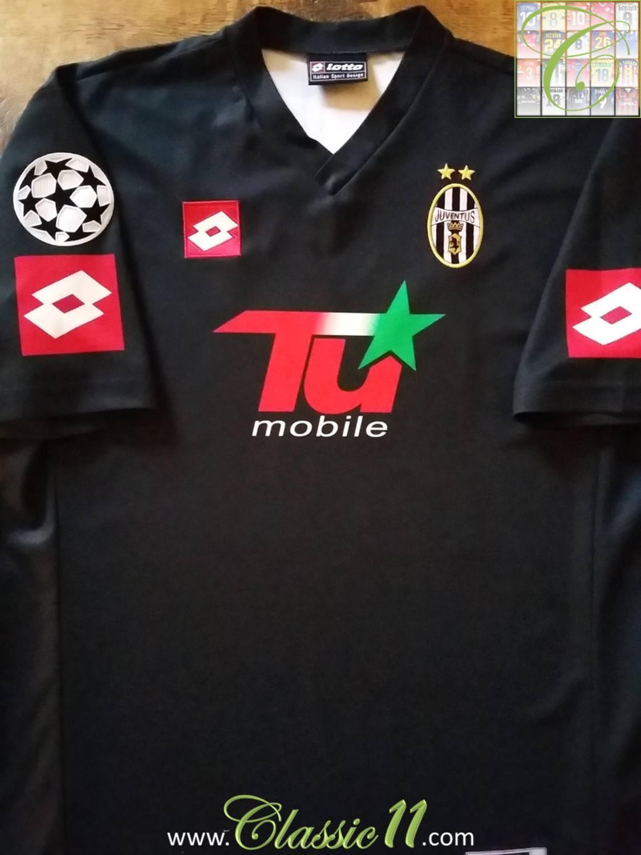 dc66da2e6 ... Juventus Cup Shirt Maillot de foot 2001 - 2002