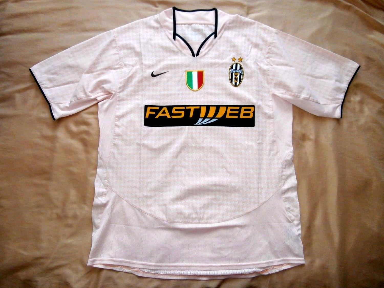 2d81aec8185 Juventus Away maglia di calcio 2003 - 2004.