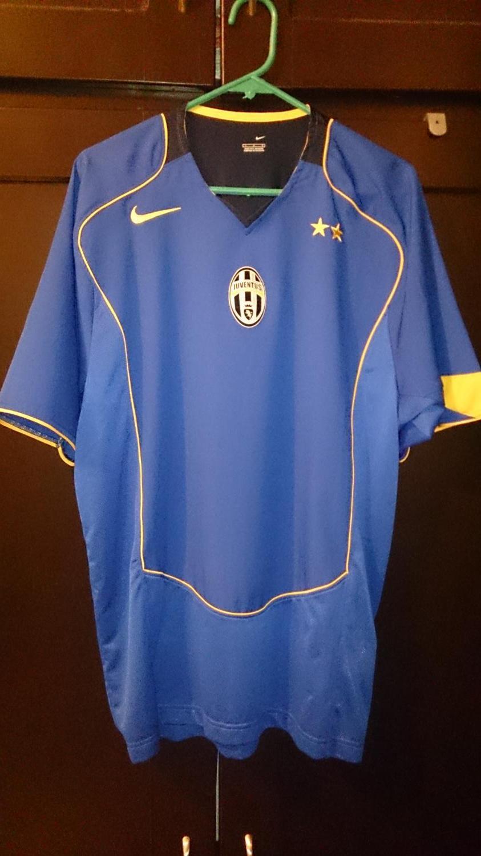Juventus Away football shirt 2004 - 2005.