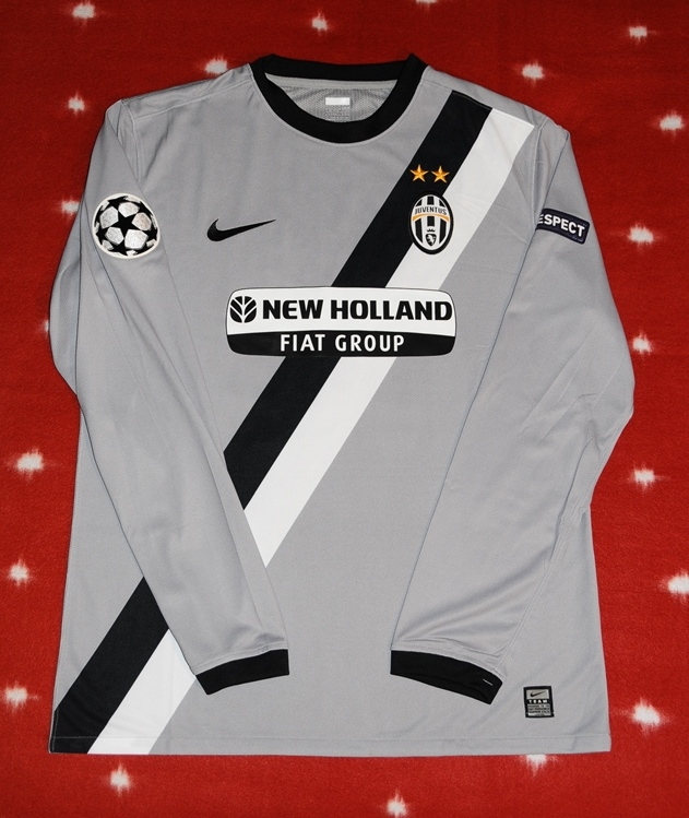 juventus away football shirt 2009 2010 juventus away football shirt 2009 2010