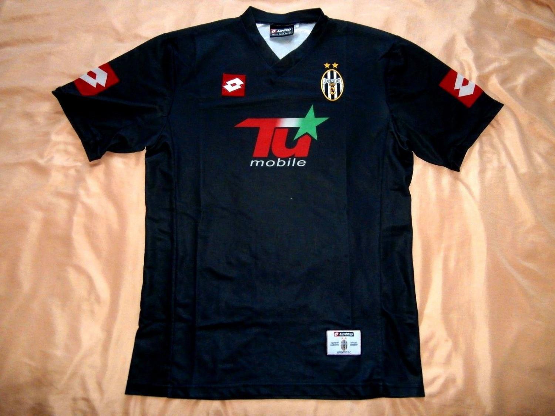 6be1fecb8 Juventus Cup Shirt Maillot de foot 2001 - 2002.