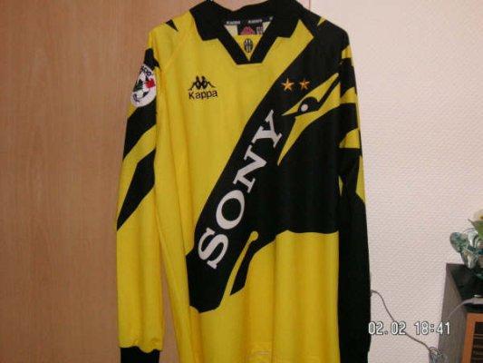 653dae73d Juventus Goalkeeper maglia di calcio 1996 - 1997.