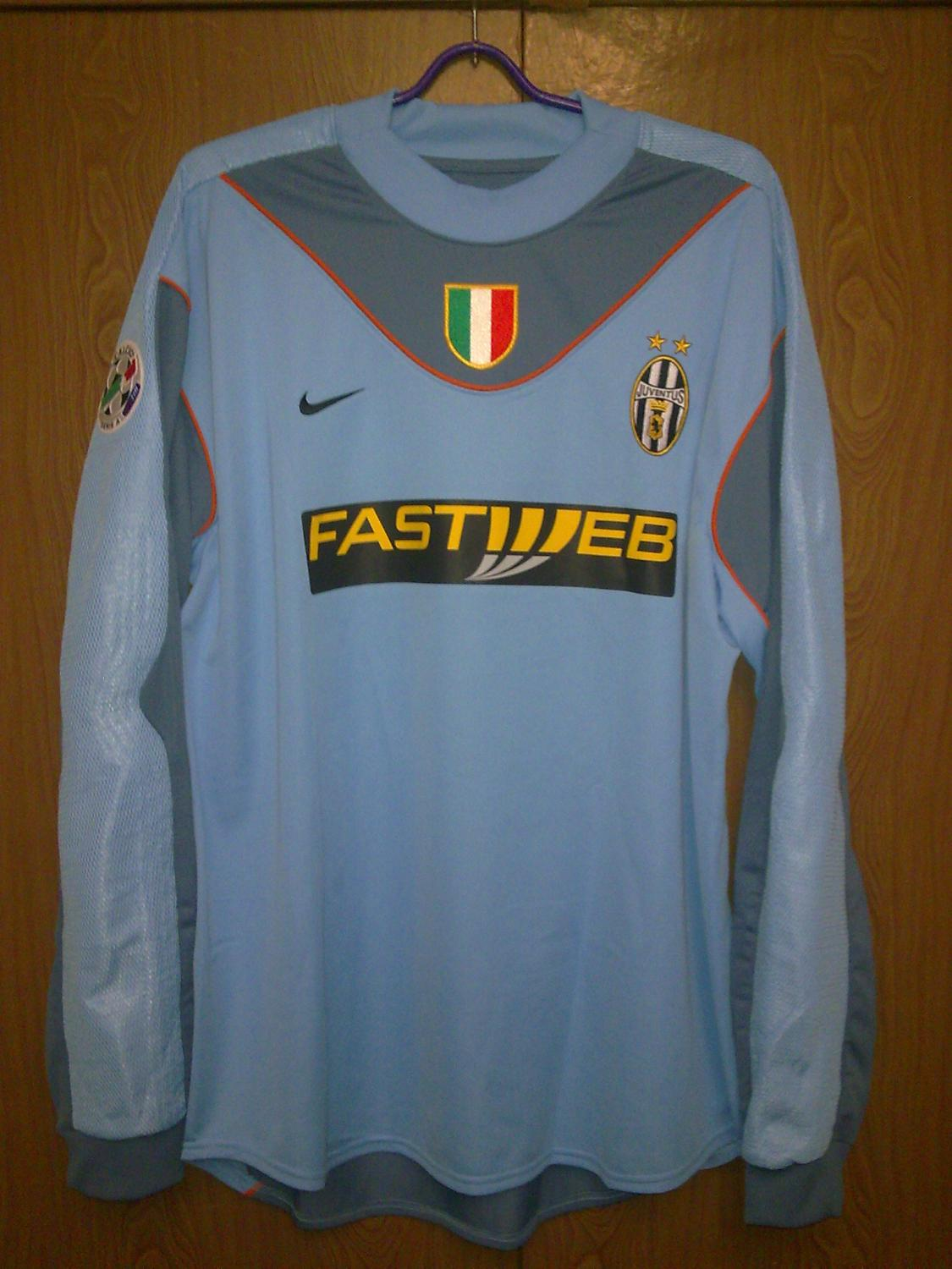 juventus goalkeeper shirt Photo
