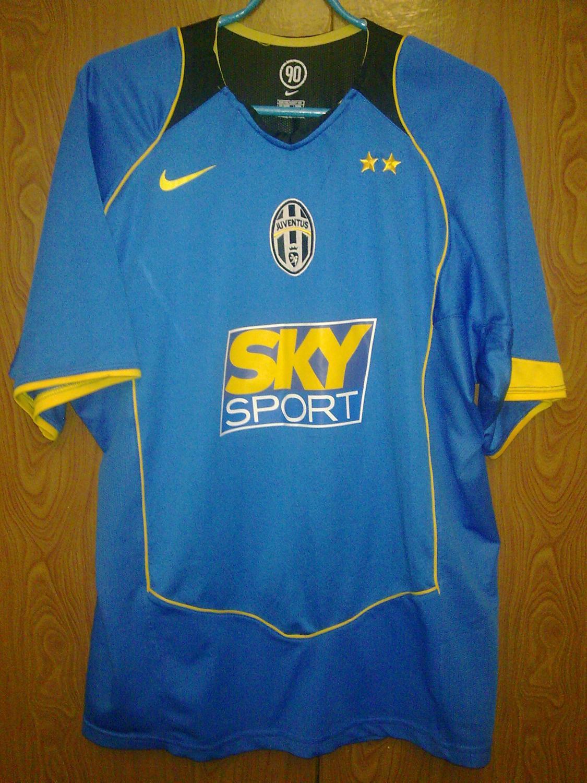 737b9aaa9 Juventus Goalkeeper football shirt 2004 - 2005.
