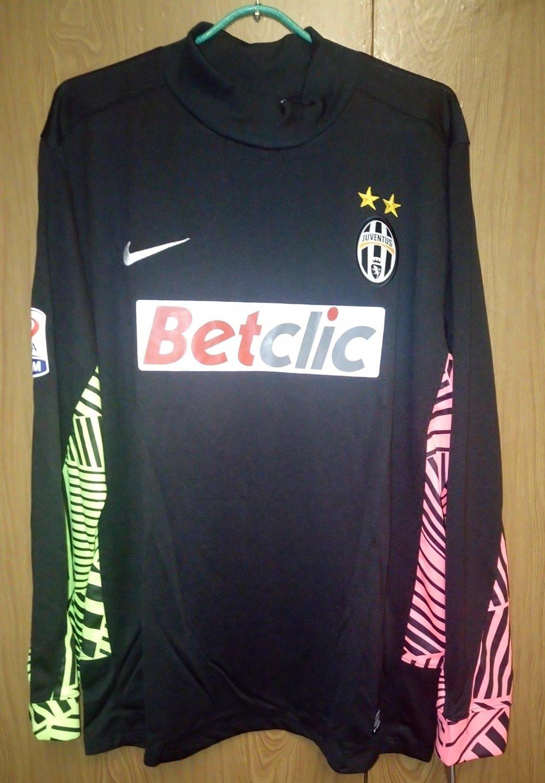 huge selection of 1a7c7 1d175 Juventus Goalkeeper football shirt 2011 - 2012. Sponsored by ...
