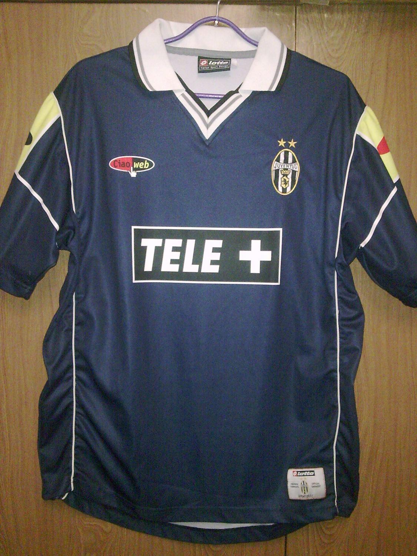 1dd704c65 Juventus Third Maillot de foot 2000 - 2001.