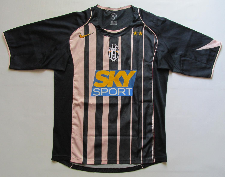 Juventus Il Terzo maglia di calcio 2004 - 2005. Sponsored by Sky Sport