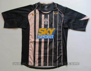 Juventus Third football shirt 2004 - 2005