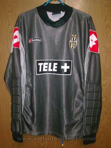 Juventus Goalkeeper football shirt 2000 - 2001