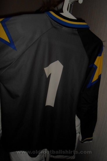 Juventus Goalkeeper football shirt 1994 - 1995
