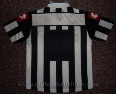 Juventus Home football shirt 2001 - 2002