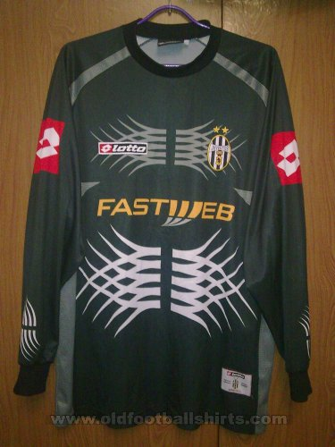Juventus Goalkeeper football shirt 2001 - 2002